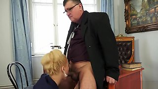 Cherry kiss boss blowjob