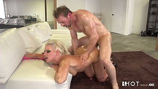 Stacked blond hooker with oiled body had hard sex with her guy