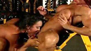 Muscle girl lesbians having a gym lez fuck