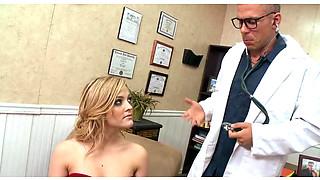 Kinky Doctor Fucks Horny Alexis Texas