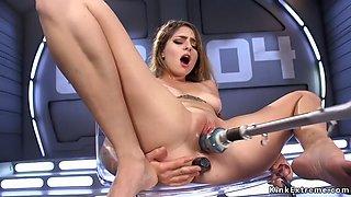 Babe plugs ass and fucks machine