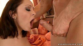 Buxom porn star Liza del Sierra in the anal insertion fucking scene