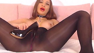brunette in seamless pantyhose suck her nylon feet,