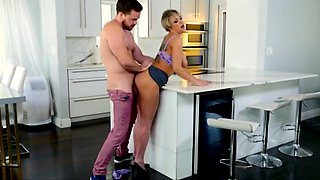 Dee Williams Mom Fucked Good In Kitchen
