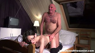 Old dude fucks pretty chick Arwen Gold in different positions