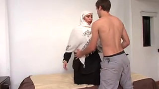 Arab Milf Gets Hard Anal Fucked By American Guy