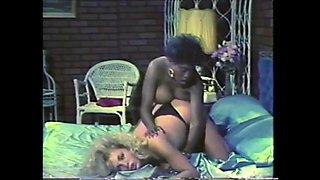 Ebony ayes and samantha strong kissing
