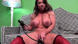 Brandimae Loves Her Clit Pump
