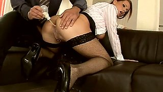 Naughty secretary wanted to get her boss laid