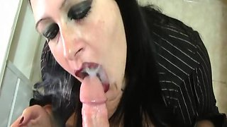 Dirty Housewife - Blowjob Handjob in the Hotel Kitchen in Majorca - Smoking - Cleaning with foamy tits