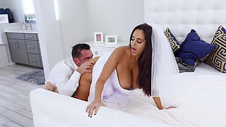 Incredible sex in the bedroom with moaning Latina Ava Addams