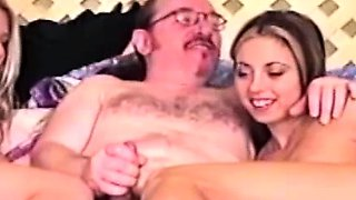 Amateur toesucking babes in trio tease oldman