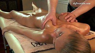 Defloration - Massage