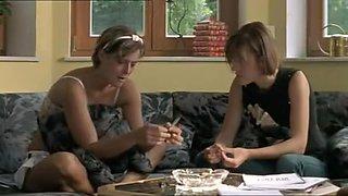 Sophia Laggner, Pia Hierzegger & Iva Lukic - Nacktschnecken aka Slugs (2004)
