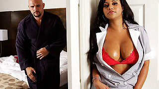 8th Street Latinas – Mary The Hot Maid
