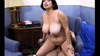 busty latina milf Helena gets her tits jizzed