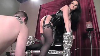 worship his mistress