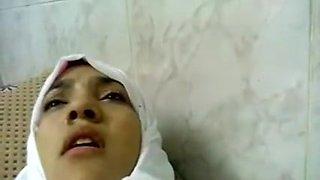Arab Nurse Drilled In Hospital With Staff