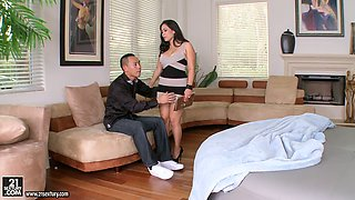 Dylan Ryder and Jessica Bangkok get their pussies licked and fucked