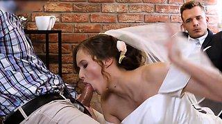 HUNT4K. Attractive Czech bride spends first night