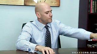 Office Pranks By Office Skanks