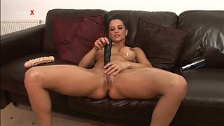Latina MILF Valentina Cruz Gets Oiled Up to Masturbate with Toys