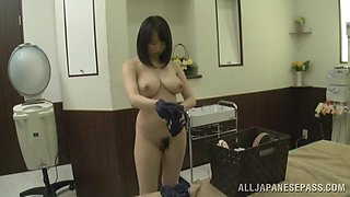 Gorgeous Akane Yoshinag Gets A Sweet Massage Covered In Oil