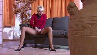 pissing in action 4 scene 1