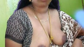 Indian Aunty Hot Boobs