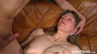Mature nympho is really into some steamy nonstop intercourse