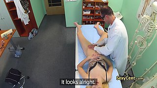 Doctor jizzed his patient in hospital