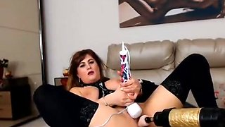 Romanian Milf Fuck machine and dildos - video at - AMATEURCAM4U.COM