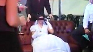 Gretchen putain maritale offerte par son epoux pervers