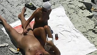 Female nudist gets busted giving a handjob !!!