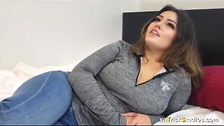 Wonderful girl loves to have sex with you