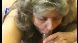 Horny mature woman makes good use of her horny neighbor