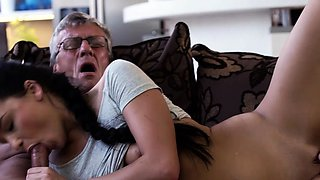 DADDY4K. Middle-aged man has fun with son's unsatisfied...