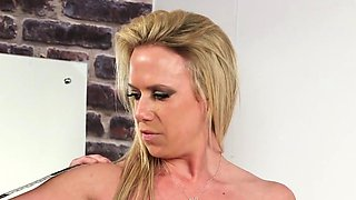 Horny doll gets cum shot on her face sucking all the love ju