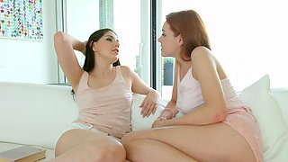 Lesbians share the lust for porn in romantic modes