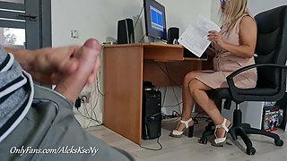 I FLASH MY DICK AND JERKOFF NEAR SECRETARY GIRL- SHE SHOCKED
