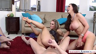 Phoenix Marie, Nicole Aniston and their friend know how to share a dick