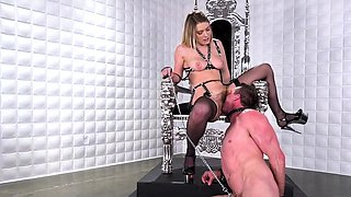 Hot mistress foot with cumshot