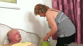 Nasty granny Sally G gets her cunt hammered by her neighbour