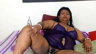 Mature Latina Showing Her Sweet Berries And Juices