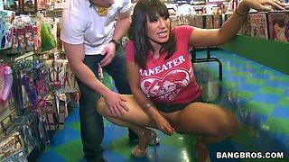 Ava Devine meets sudden oral love in the shop