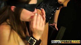 Latex Mistress Face Sitting Sub Babe