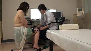 Hot and busty Japanese babe gets nailed by her doctor
