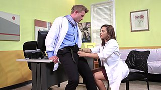 A brunette gets her pussy penetrated by her doctor in the video