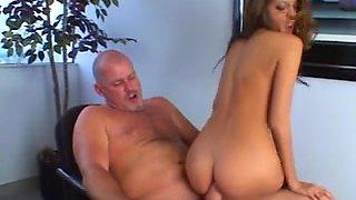 Secretary bonks with her boss