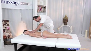 Nude beauty combined massage with the most addictive sex
